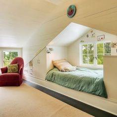 kisFlanc Lakberendezés Dekoráció DIY Receptek Kert Háztartás Ünnepek: 13 ötlet a tetőtér legjobb kihasználásához