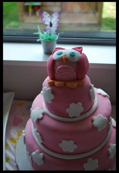 Pink Owl Cake. Someone get me this for my birthday?