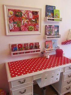 de-clutter Kids desk