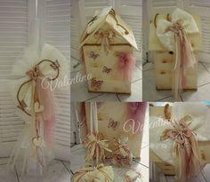 Βαπτιστικό Πακέτο με θέμα   πεταλούδες - καρδιές. Ξύλινο σπιτάκι κουτί σε αποχρώσεις vintage και σάπιου μήλου