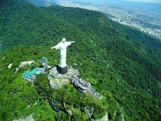 Dentre as Sete maravilhas do mundo uma é Brasileira. O #CristoRedentor no #RJ. Foto: Paisagens Brasileiras