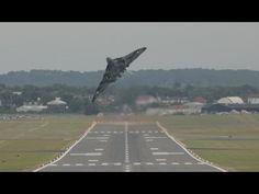 Vulcan XH558 Takeoff & Wheelie, Farnborough 2014 FIA14 Royal Air Force - YouTube