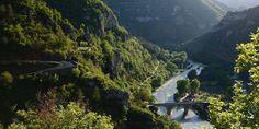 Radreise Südfrankreich - Provence, Cevennen und Camargue | Biketeam Radreisen Provence, Destinations, Waterfall, Europe, Tours, Mountains, Travel, Outdoor, France Vacations