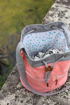 Brush Strokes Bucket Bag - Noodlehead, pattern from Handmade Style