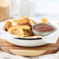 Het meringue recept van de Meringue Girls - Laura's Bakery Meringue Recept, Meringue Girls, Pretzel Bites, Camembert Cheese, Pancakes, Bakery, Cheesecake, Lunch, Bread