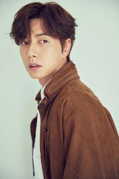 One of my fav Korean Actor Park Hae Jin ? Most Handsome Korean Actors, Park Hye Jin, Korean Men Hairstyle, Korean Face, Yoo Ah In, Kdrama Actors, Korean Celebrities, Asian Actors, Haircuts For Men