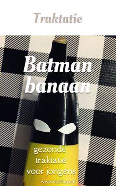 De Batbanaan; een gezonde Batman traktatie voor kinderen van een banaan. Leuk voor uitdelen op school. Sticky Toffee, Stress, Halloween Cupcakes, Pokemon, Batman, Invitations, Toys, Birthday, Blog
