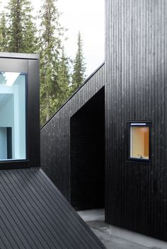 Vardehaugen's stunning compact version of the classic winter abode. The Norwegian architecture firm designed this 180 square foot Vindheim Cabin Scandinavian Cabin, Scandinavian Architecture, Contemporary Architecture, Timber Cladding, Exterior Cladding, Interior Exterior, Exterior Design, Exterior Windows, Residential Architecture