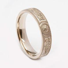 Ladies Warrior Shield White Gold (C-3292) - Celtic Warrior Collection