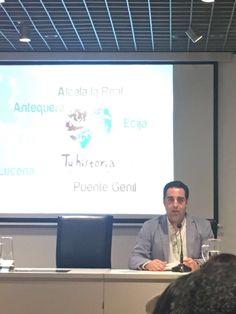 Hoy el presidente de la #FundaciónCiudadesMediasdelCentrodeAndalucía, Carlos Hinojosa, ha participado en el programa académico enmarcardo en la MISIÓN TECNICA INTERNACIONAL SOBRE: INDUSTRIAS CULTURALES Y CIUDADES CREATIVAS. Organizada por la Unión Iberoamericana de Municipalistas (UIM) y con la colaboración de la Fundación Cajasol en #Córdoba. El modelo de gestión y la marca Tu historia han servido de estudio para las autoridades y directivos de América Latina.