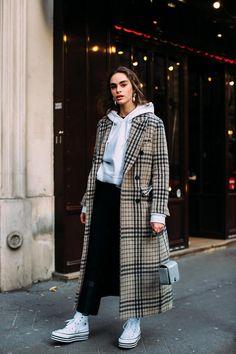Teilnehmer an der Paris Fashion Week Herbst 2018 – Street Fashion - Mode För Par Fashion Mode, Fashion 2018, Look Fashion, New Fashion, Autumn Fashion, Fashion Trends, Womens Fashion, Fashion Spring, Paris Fashion Weeks