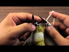 How to Knit Traveling Jogless Stripes in the Round
