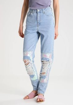 Die 73 besten Bilder von FASHION – Jeans   Denim style, Jeans style ... 5c32e0be04