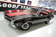 1969 Oldsmobile Cutlass 442 W-30 Coupe Old cars are way better looking than any car today...