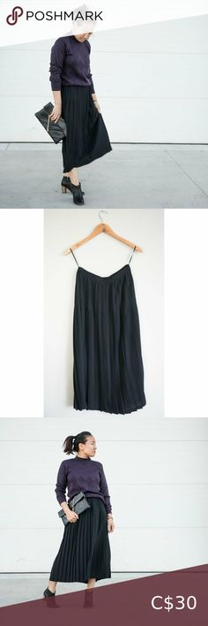 Vintage Pleated Skirt Navy Blue - Almost Black  Vintage Flowing Material Sewn in Pleats Button and Zipper opening in the back Not Lined, but not see through  Vintage Size 10 Laid Flat Waist: 13 Inch Length: 33 Inch  Offers are always welcome! All our items are washed or steam cleaned  20% of our profits go back into Local Charities! Skirts Local Charities, Plus Fashion, Fashion Tips, Fashion Trends, Vintage Skirt, Pleated Skirt, Vintage Ladies, Navy Blue, Size 10