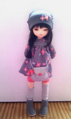 When I saw the new Sugar body for Pocket Fairy I knew that I wanted to see Aiko all grown up, so she is now a slightly gangly teen with a passing resemblance to Elfdoll Yumi (in tiny size!).