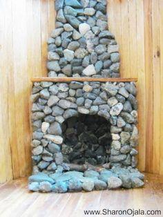 how to make homemade dollhouse furniture - cute stone fireplace! Diy Barbie Furniture, Fairy Furniture, Miniature Furniture, Furniture Design, Furniture Ideas, Diy Dollhouse Furniture Easy, Laminate Furniture, Homemade Furniture, Recycled Furniture