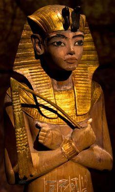 Ushabti of Tutankhamun. Partly gilded wooden ushabti.