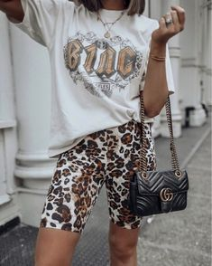 Discover ready-to-shop pics from Lazy Day Outfits, Short Outfits, Trendy Outfits, Summer Outfits, Cute Outfits, Boho Fashion, Fashion Outfits, Fashion Tips, Fashion Quiz