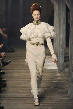 Chanel Pre-Fall 2013 - Slideshow - Runway, Fashion Week, Reviews and Slideshows - WWD.com