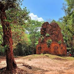 Jungle houses! Sambor Prei Kuk style far away from the crowds of #Ankor #travel #cambodia #southeastasia #realfood #temples
