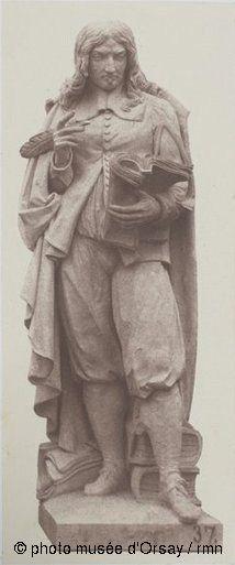"""modèle en plâtre de la statue """"Mézeray"""",  destinée au décor du pavillon de Rohan du palais du Louvre à Paris.  Photographie par Edouard Denis Baldus prise entre 1855 et 1857 - épreuve sur papier albuminé à partir d'un négatif verre (collection du musée d'Orsay)"""