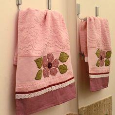 Toalha de lavabo rosa antigo
