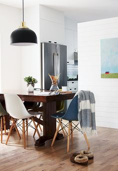 Rejuvenation in the Kitchen   @thefauxmartha   Case Study Fiberglass Shell chairs on Dowel Bases