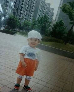 Imagen de baby, old pic, and singer Baby Pictures, Baby Photos, Park Sung Jin, Hyun Young, Jae Day6, Piri Piri, Kim Wonpil, Bob The Builder, Boyfriend Pictures