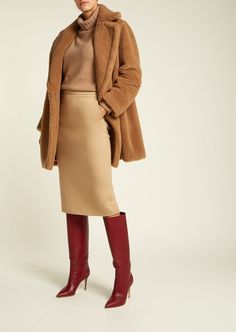A Complete Guide to Choosing The Perfect Coat That Complements Your Taste This Season - Best Fashion Tips Camel Coat Outfit, Girl Sleeves, Popular Dresses, Formal, Winter Outfits, Winter Fashion, Womens Fashion, Fashion Trends, Casual