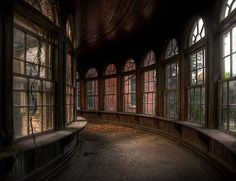 Some abandoned buildings are beautiful, scary or just plain boring. But when a hospital, hotel or church is abandoned, it can be a downright surreal place. Abandoned Asylums, Abandoned Buildings, Abandoned Places, City Buildings, Slytherin, Hogwarts, Mansion Homes, Draco Malfoy, Old Houses