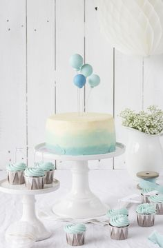 Balloon Ombré Cake. Baby first birthday cake.