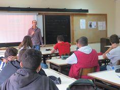 """Oficina realizada, em sete escolas básicas do Seixal, no âmbito do evento """"Estação dos Livros"""""""