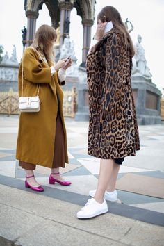 London Fashion Week Street Style Photos Spring 2016 | WWD
