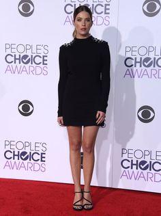 Ashley Benson au People's Choice Awards 2016