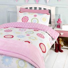 Toddler Bedding and Junior Duvet Cover sets. With over 80 designs to choose from, some with duvet inserts and pillows, you are sure to find one to please your little boy or girl. Cot Bed Duvet Cover, Full Duvet Cover, Cot Bedding, Quilt Cover, Duvet Cover Sets, Double Duvet Covers, Single Duvet Cover, Toddler Duvet Set, Toddler Bed