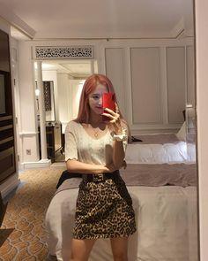 Cosmic Girls, High Waisted Skirt, Mini Skirts, My Style, How To Wear, Outfits, Kpop, Softies, Japan