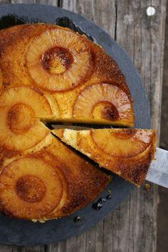 Nederlandse oven ananas ondersteboven taart | HonestlyYUM