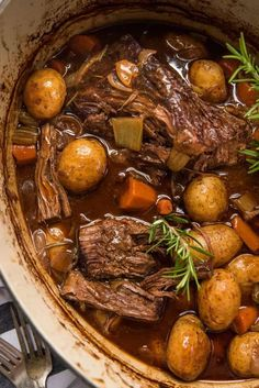 Fall apart dutch oven pot roast has simple ingredients with tender pot roast results! Braised on the stove then simmered in the oven this beef pot roast recipe is perfectly tender with flavorful gravy, vegetables and potatoes. Easy and delicious co Chuck Roast Recipes, Pot Roast Recipes, Shrimp Recipes, Recipes Dinner, Potato Recipes, Chicken Recipes, Cooker Recipes, Crockpot Recipes, Game Recipes