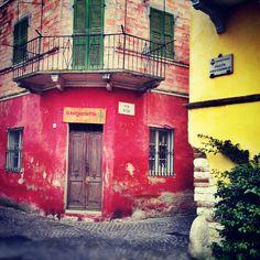 Sirolo - Foto di @ladile Italian Street, Regions Of Italy, Adriatic Sea, Holiday Time, Rental Property, Tuscany, Trip Advisor, Travel Inspiration, Swimming Pools
