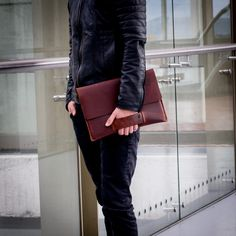 Carefully crafted Macbook leather case with handle for a gravity neutralizing experience. The handle has suede lining for extra comfort. Why is this case unique and impossible to find elsewhere? - The leather Full grain leather takes the entire grain of hide, with all the imperfections