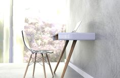Pacco: A Minimalist Desk for the Home