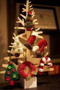 love everyday: Tutorial Thursday: Yarn Wrapped Christmas Ornaments