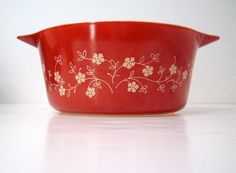 Vintage Pyrex...mac and cheese would feel right at home in this casserole dish...