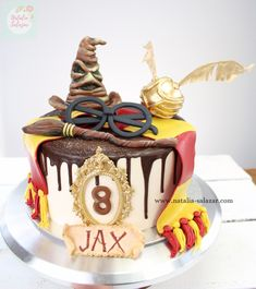 Today I want to share my Harry Potter cake. Harry Potter Theme Cake, Harry Potter Desserts, Bolo Harry Potter, Gateau Harry Potter, Harry Potter Birthday Cake, Harry Potter Food, Specialty Cakes, Drip Cakes, Themed Cakes