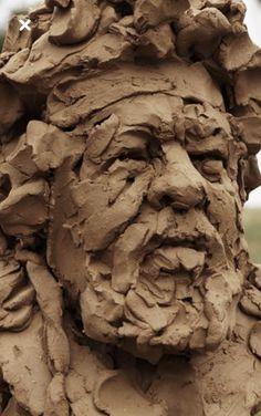 mooniq priem home Human Sculpture, Sculpture Clay, Sculpture Portrait, Aluminum Foil Art, Outdoor Garden Statues, Animal Heads, Ceramic Art, Sculpting, Antony Gormley