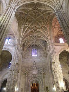 Bóveda de crucería con hiladas circulares y terceletes de la Iglesia de San Miguel, Jerez de la Frontera, Cádiz © José Luis Filpo Cabana