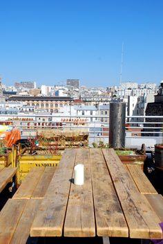 Le Perchoir, rooftop, drinks and restaurant, 14 rue Crespin Du Gast 75011 Paris