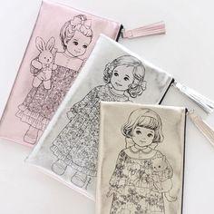 trousse POUPÉE PAPER DOLL pour maquillage ou crayons  femme enfant import CORÉE