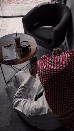 4k Wallpaper Iphone, Cute Couples Kissing, Arab Men, Funny Art, Aesthetic Photo, Tote Bag, Bags, Arabic Quotes, Muslim